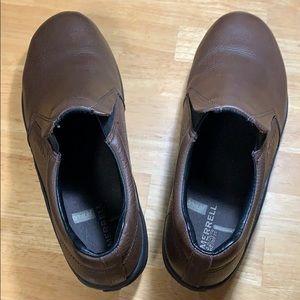Men's size 10 Merrel Mocs shoes. Great condition!